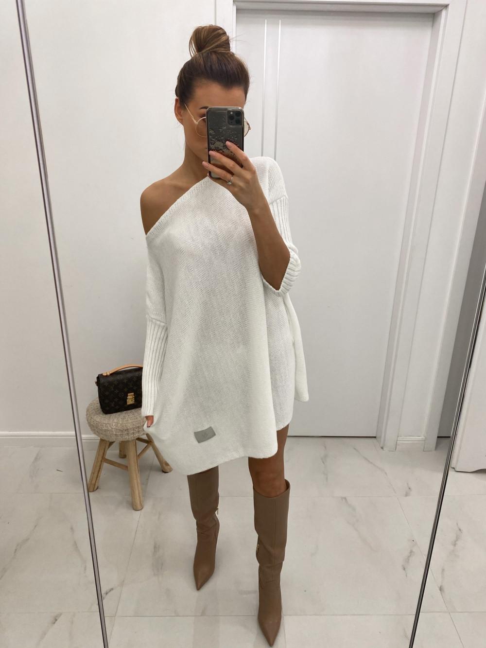 Biały sweter tunika Olivia 2