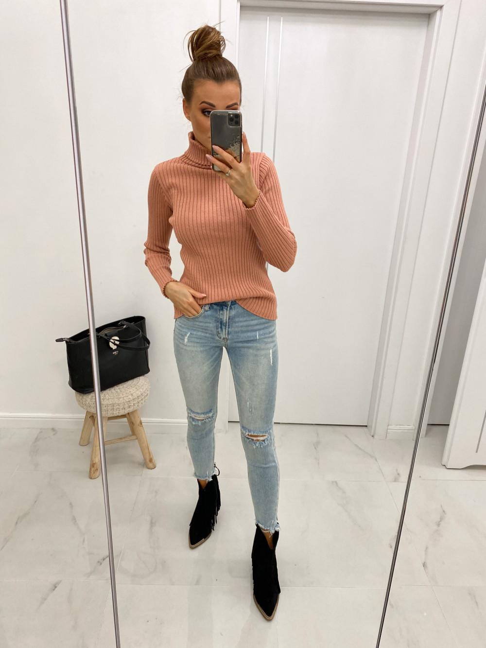 Różowy sweter z golfem Selena 2