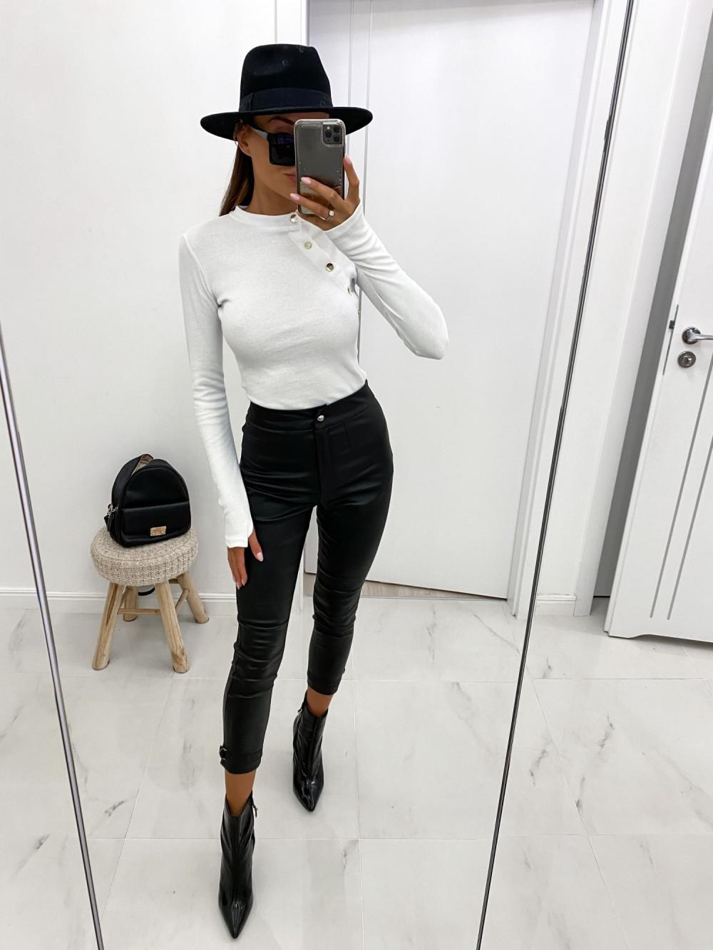 Biała bluzka z guzikami Sharon 2