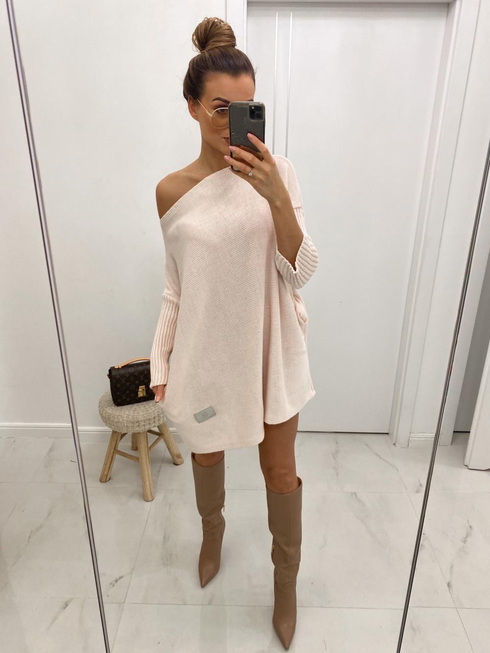 Różowy sweter tunika Olivia 2