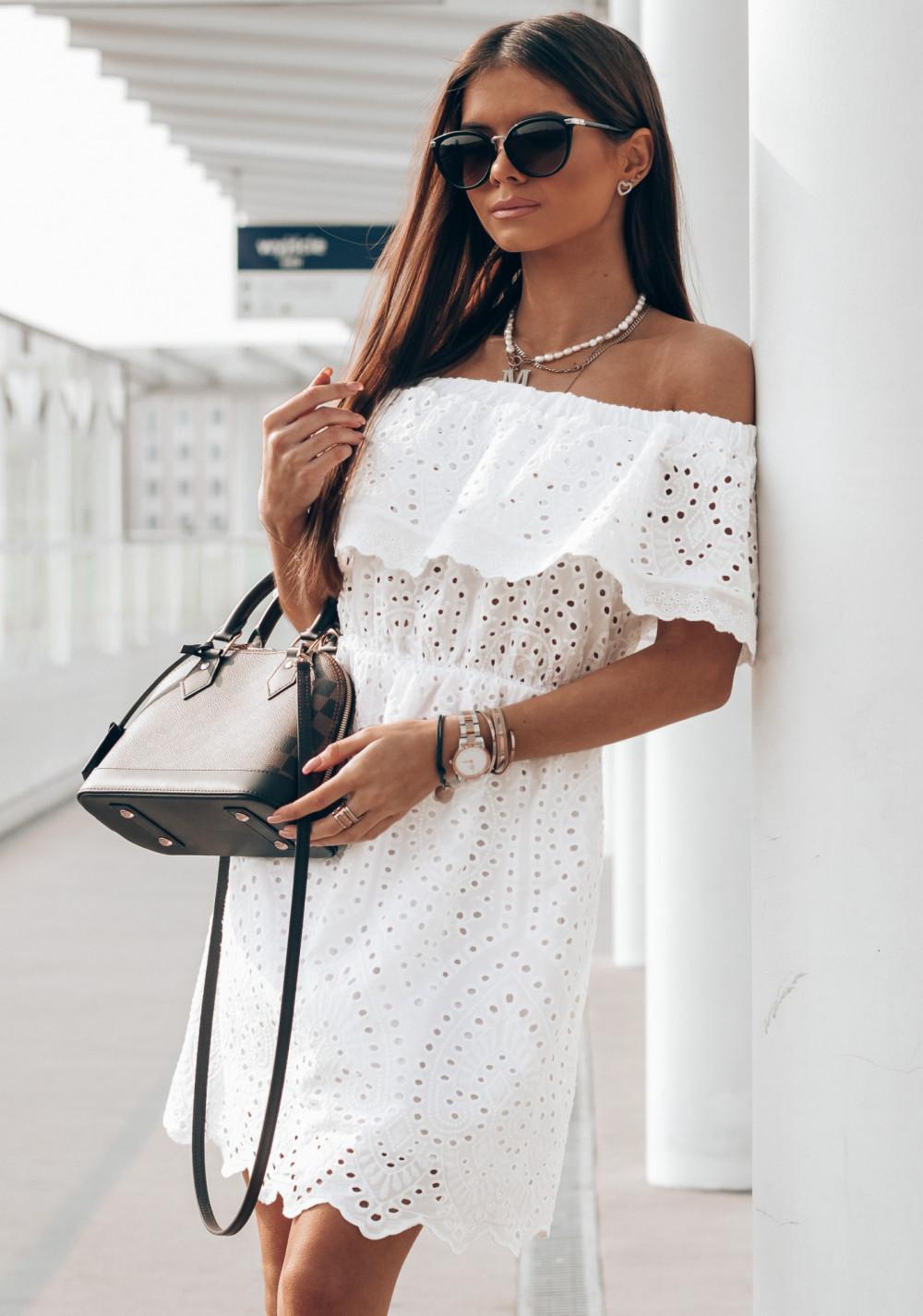 Biała ażurowa sukienka hiszpanka z falbanką Claire 1