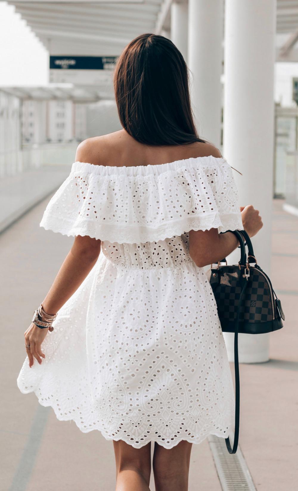 Biała ażurowa sukienka hiszpanka z falbanką Claire 3