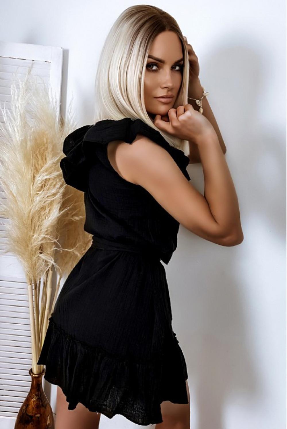 Czarna rozkloszowana sukienka z falbankami hiszpanka boho Elena 2