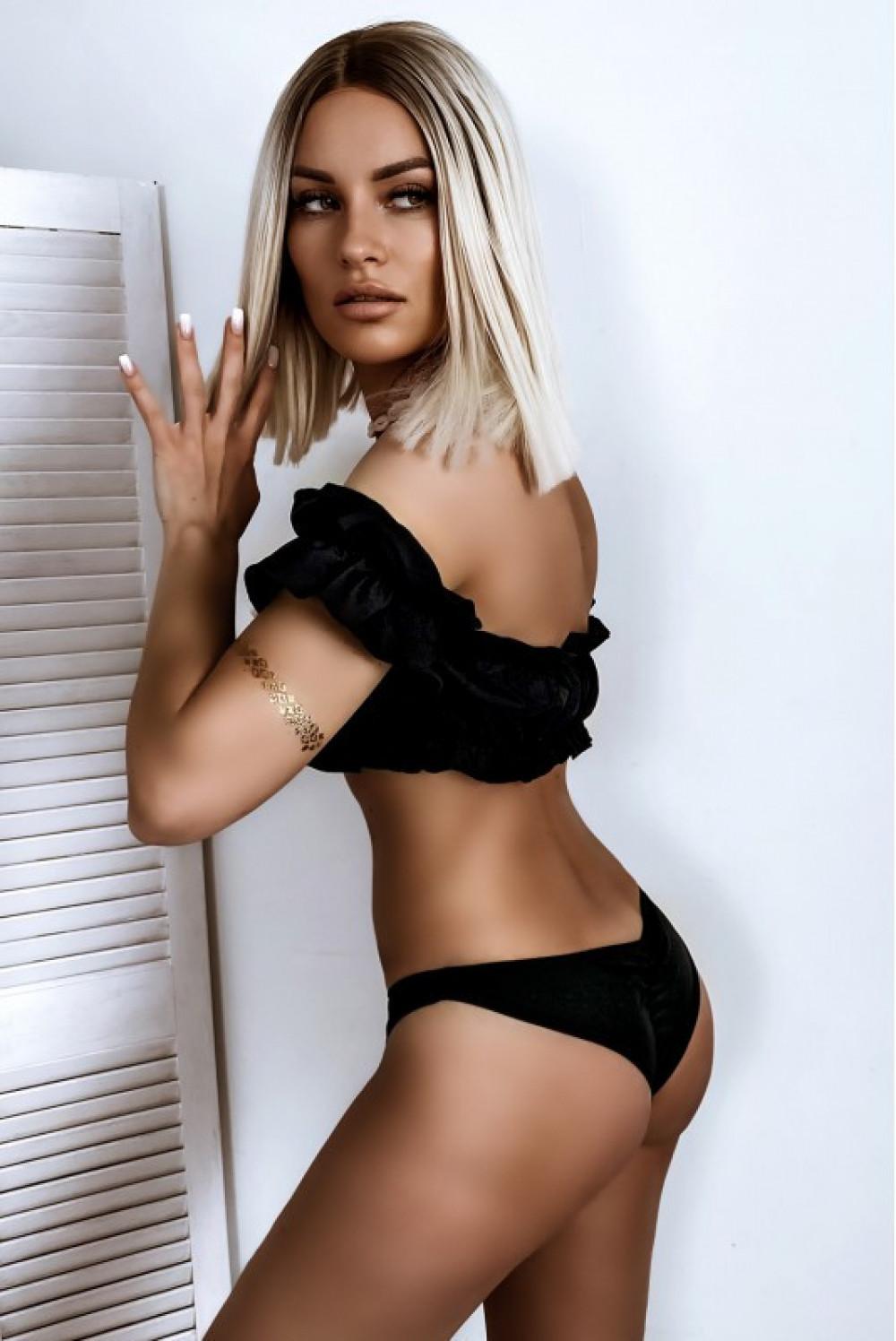 Czarne bikini z topem hiszpanką Leah 2