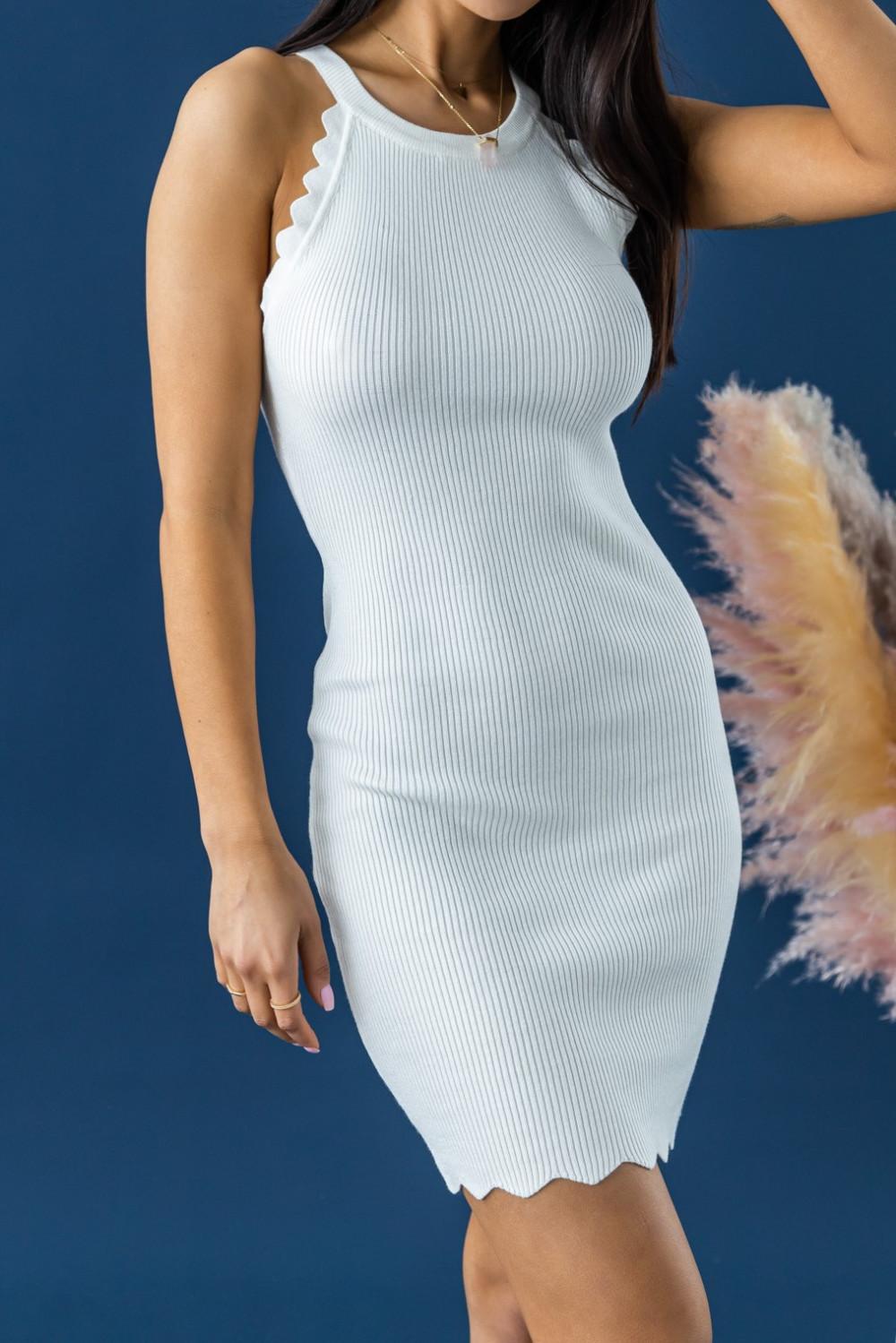 Biała sukienka dopasowana bez rękawów Lorena 2