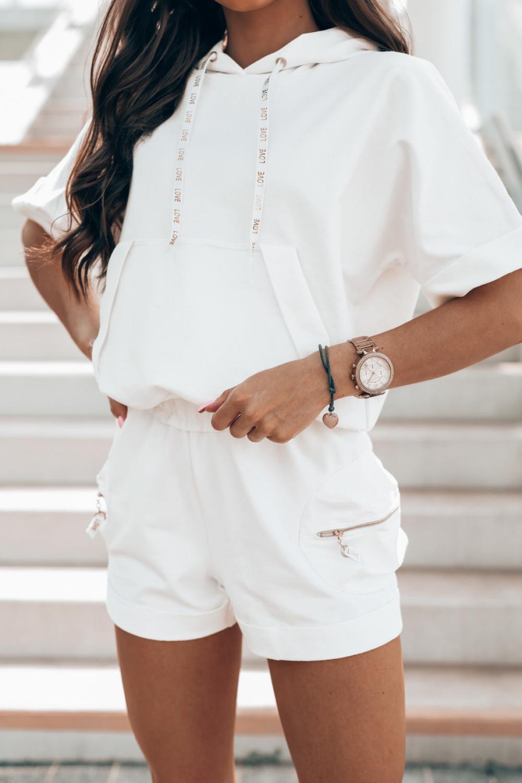 Biały komplet dresowy z krótkimi spodenkami Kaitly 3