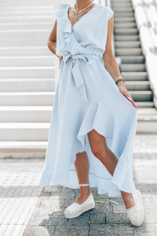 Jasnoniebieska muślinowa asymetryczna sukienka z falbankami midi Aria 3