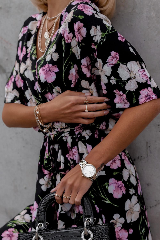 Czarna sukienka kwiatowa midi Martina 4