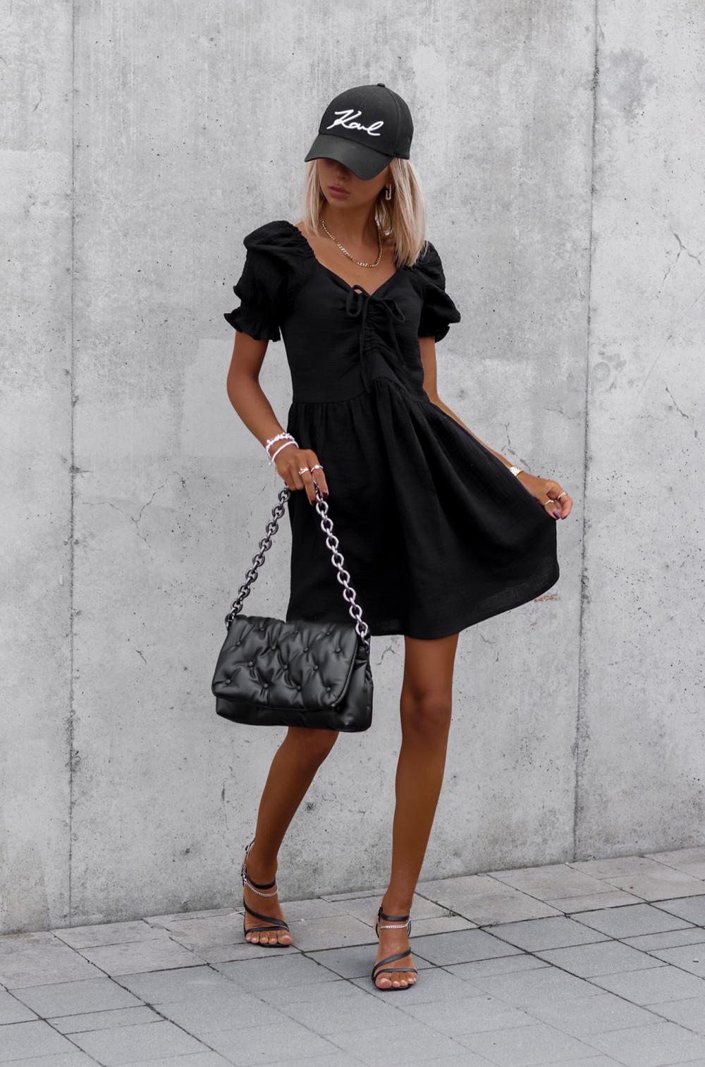Czarna muślinowa sukienka rozkloszowana mini Shira 2