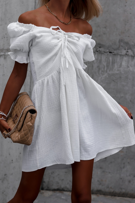 Biała muślinowa sukienka rozkloszowana mini Shira 1