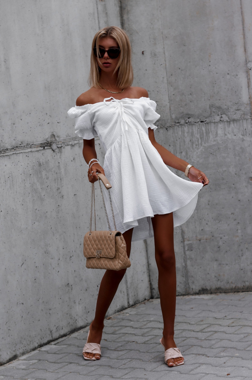 Biała muślinowa sukienka rozkloszowana mini Shira 2