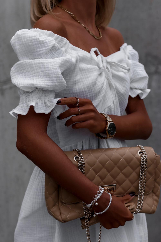 Biała muślinowa sukienka rozkloszowana mini Shira 4