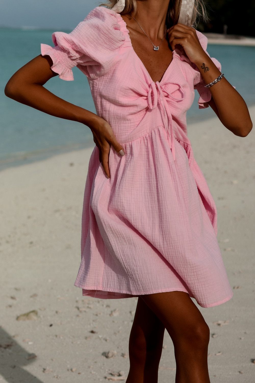 Jasnoróżowa muślinowa sukienka rozkloszowana mini Shira 1