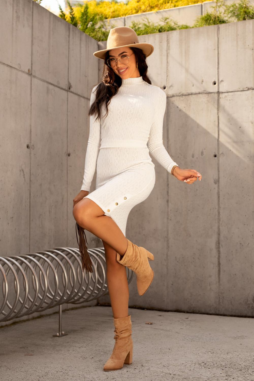 Ecru sweterkowy komplet spódniczka i bluzka Camilla 2