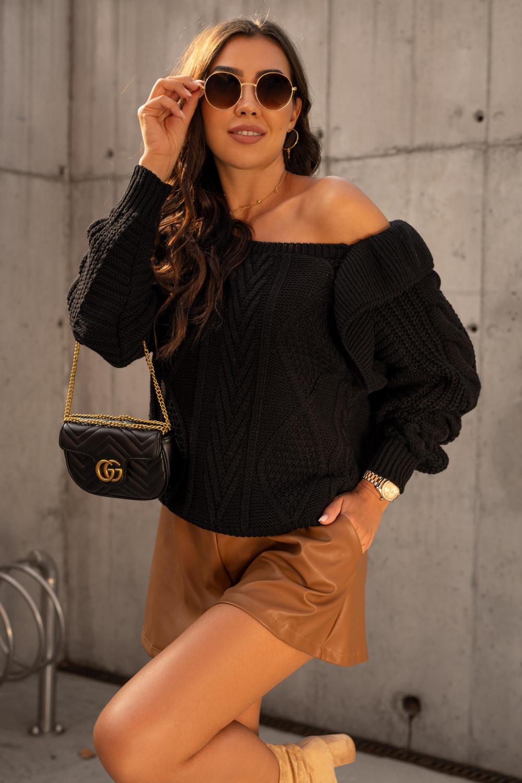 Czarny sweter z falbankami off shoulder Luna 2