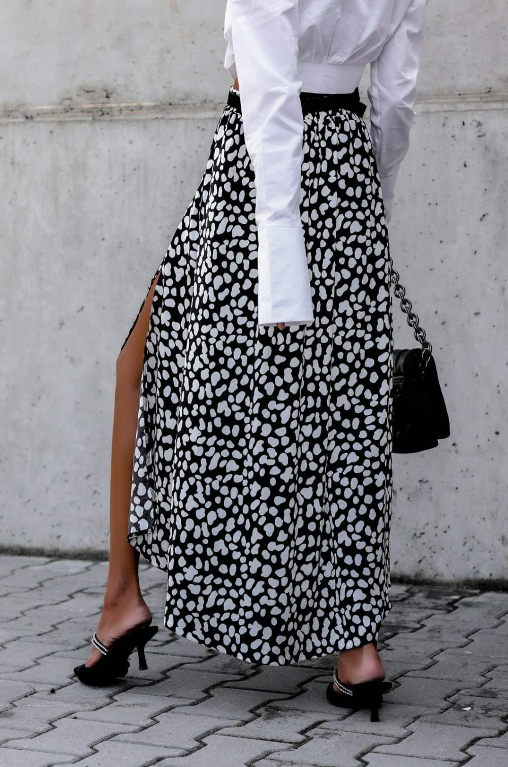 Czarna spódnica z rozcięciem midi w plamki Sammy 3