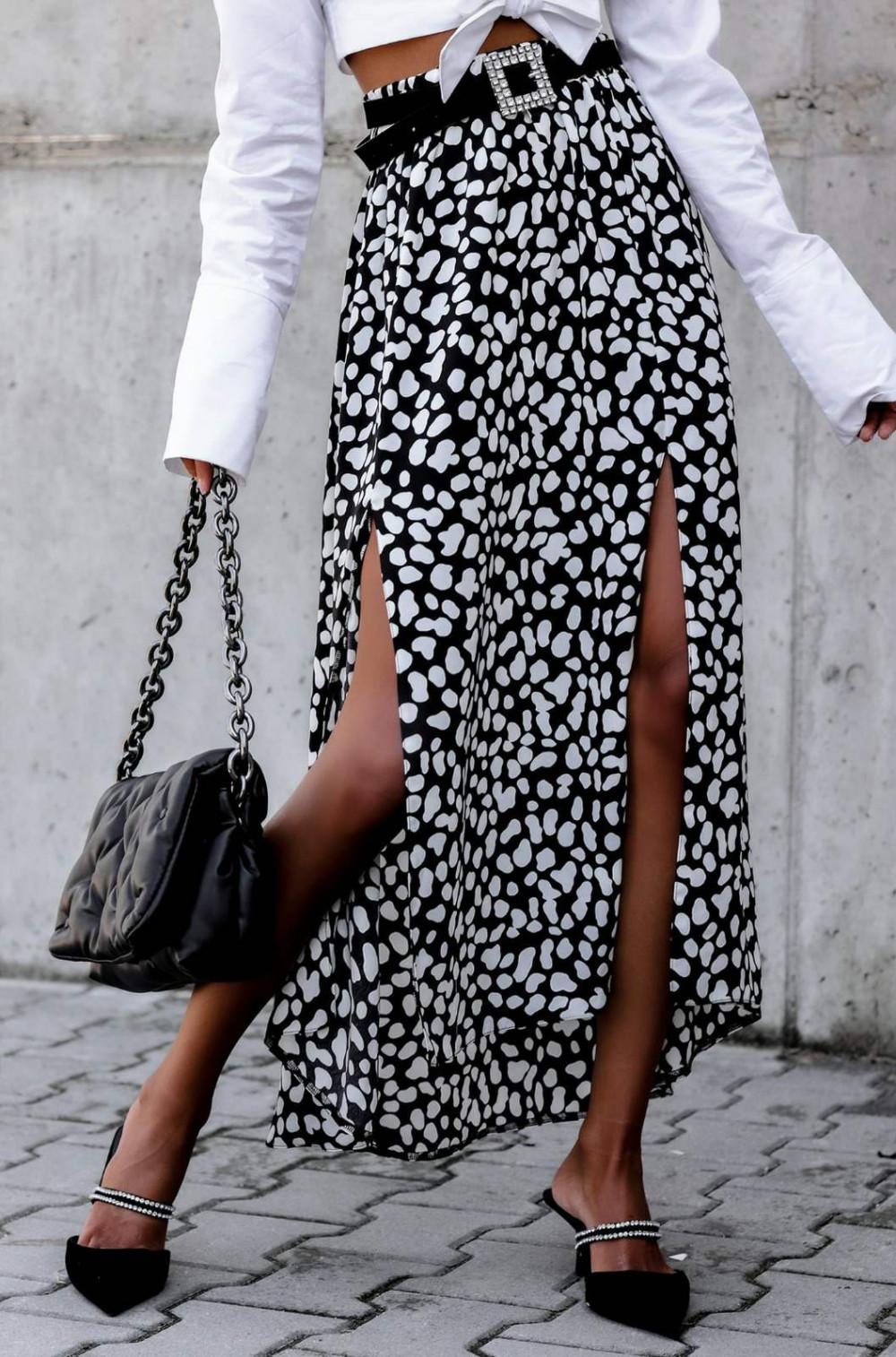 Czarna spódnica z rozcięciem midi w plamki Sammy 1