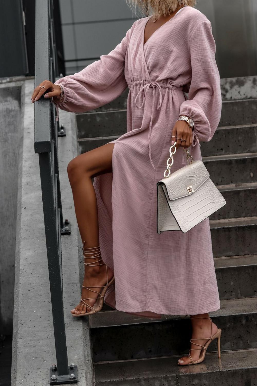 Różowa muślinowa sukienka przekładana z bufiastymi rękawami Ella 1