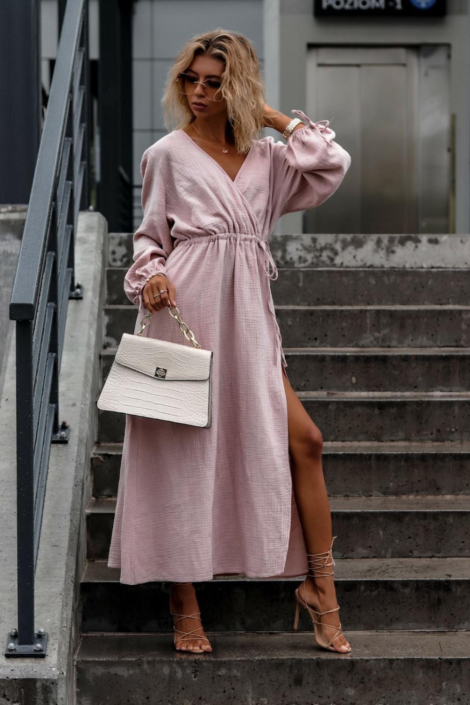 Różowa muślinowa sukienka przekładana z bufiastymi rękawami Ella 2