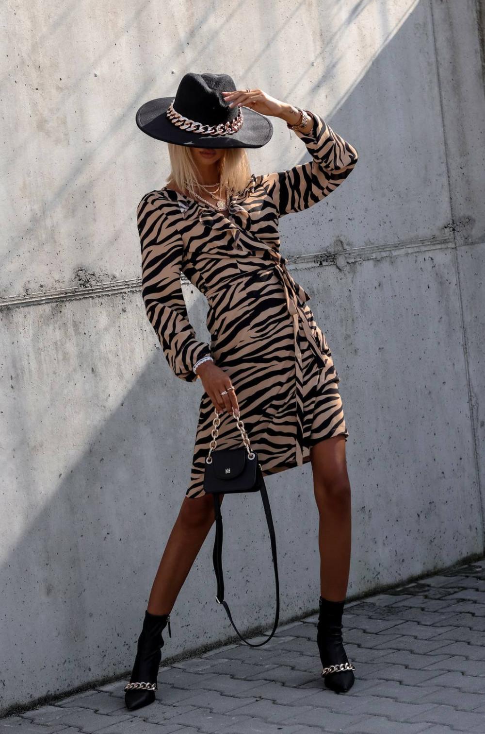 Brązowa zeberkowa sukienka kopertowa V-Neck Ellie 2