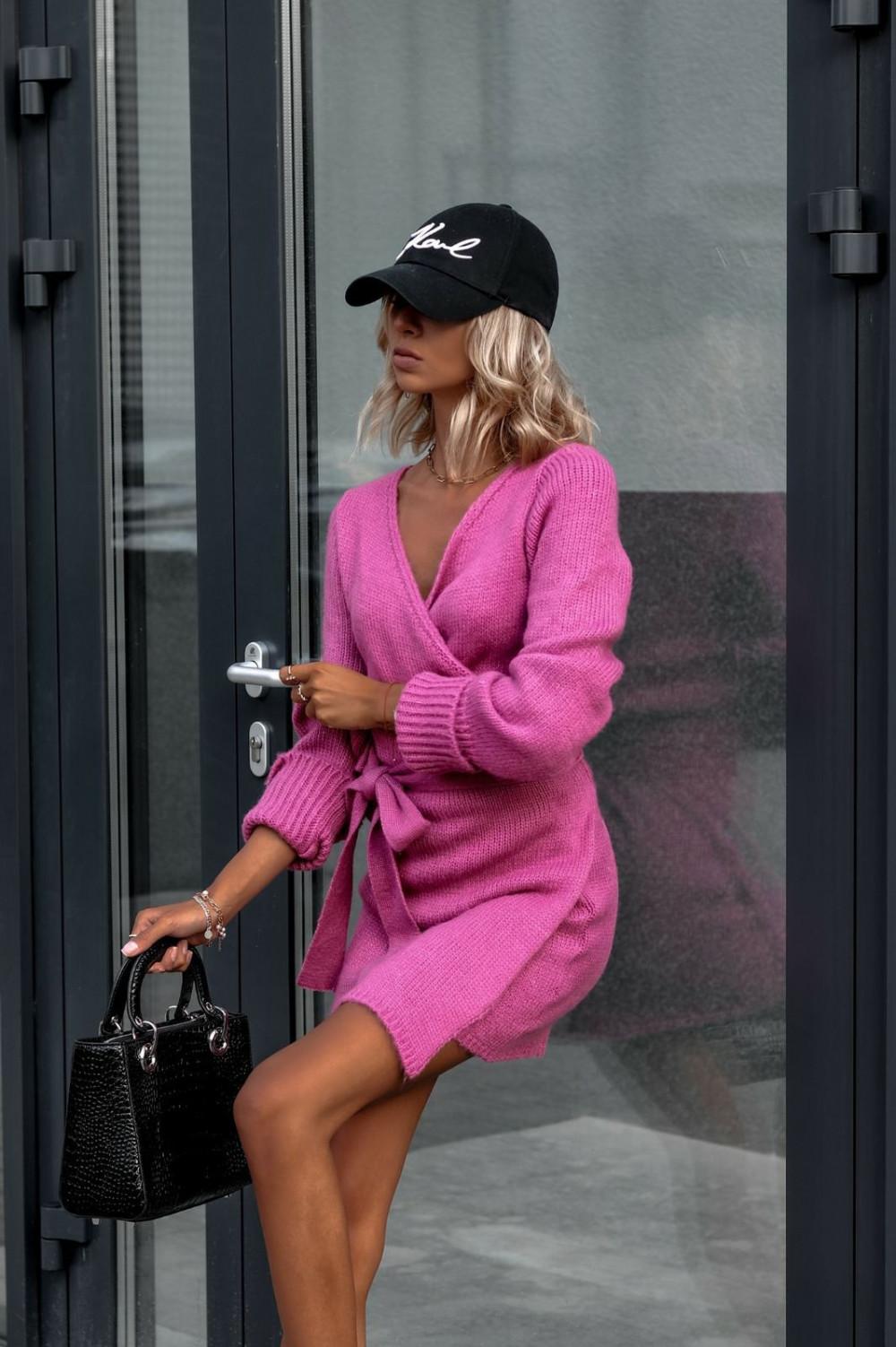 Fuksjowa przekładana sukienka sweterek V-Neck Mila 2