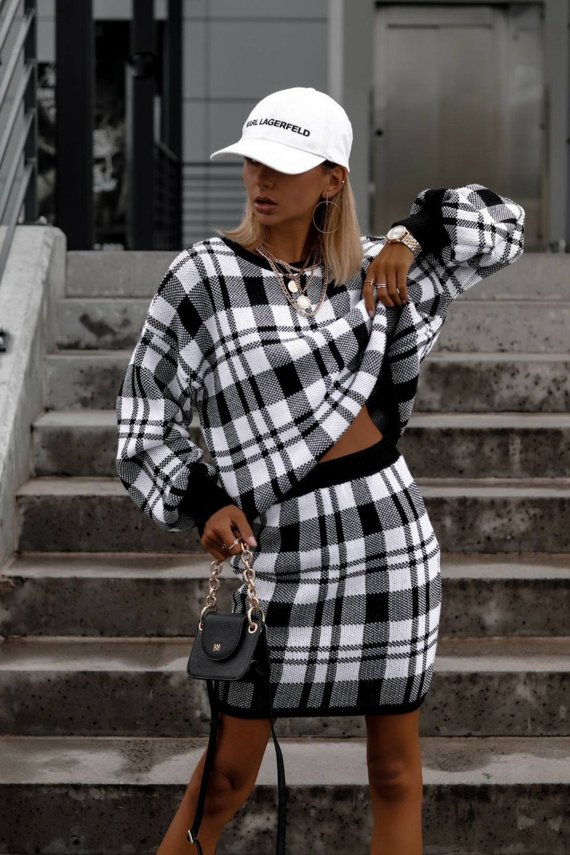 Biało-czarny komplet damski w kratkę spódniczka i bluza Elena 2