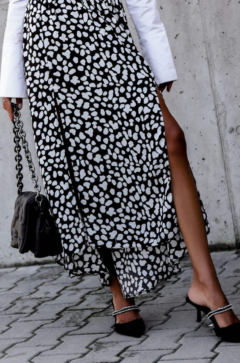 Czarna spódnica z rozcięciem midi w plamki Sammy 4