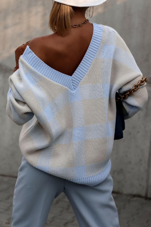 Niebieski sweter oversize V-Neck w kratkę Maya 4