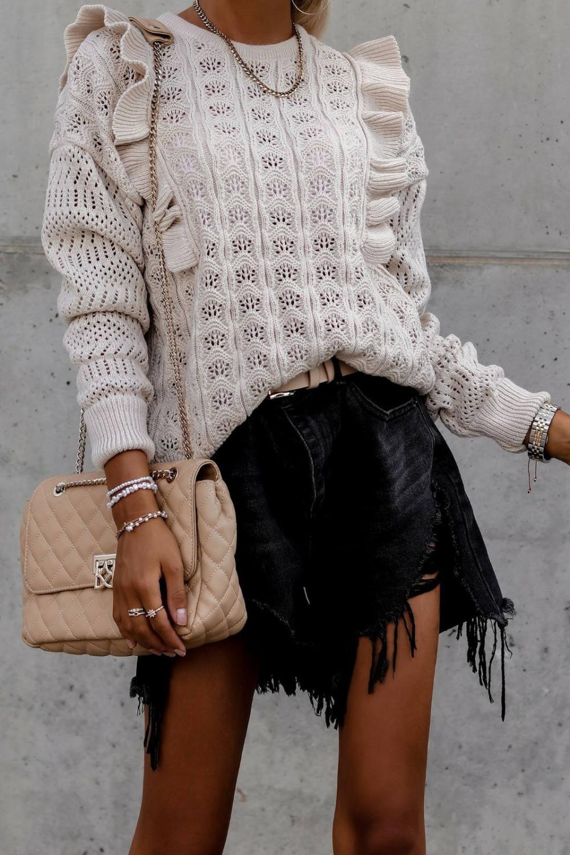 Beżowy ażurowy sweterek z falbankami Aubrey 3
