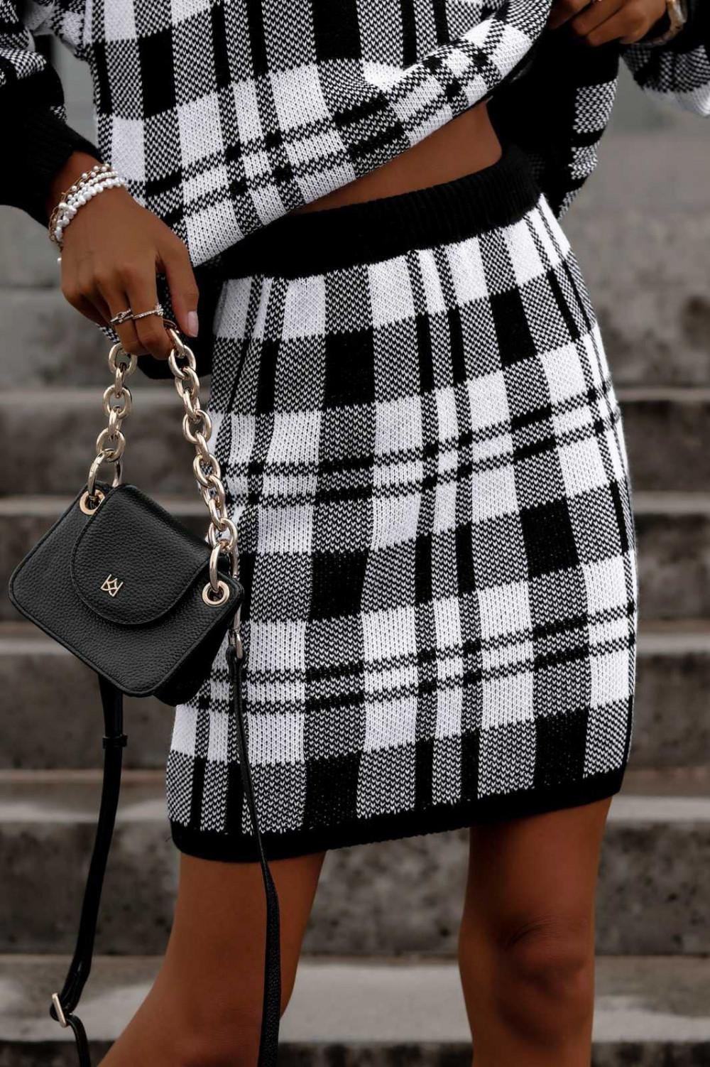 Biało-czarny komplet damski w kratkę spódniczka i bluza Elena 5