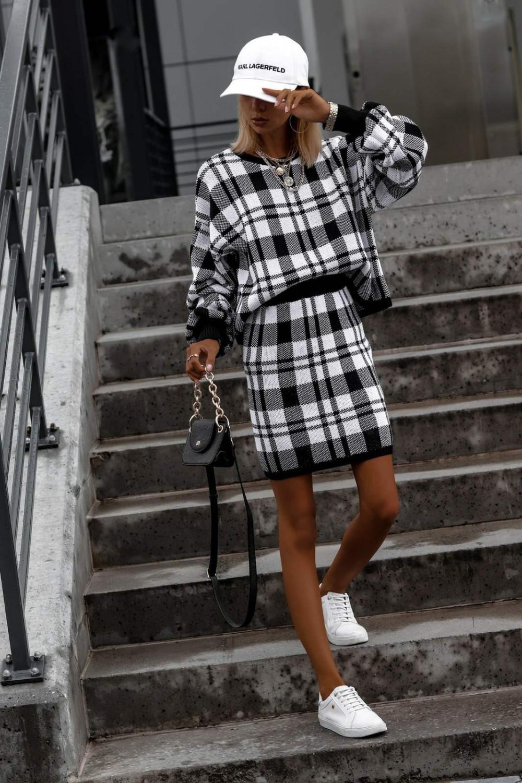 Biało-czarny komplet damski w kratkę spódniczka i bluza Elena 7