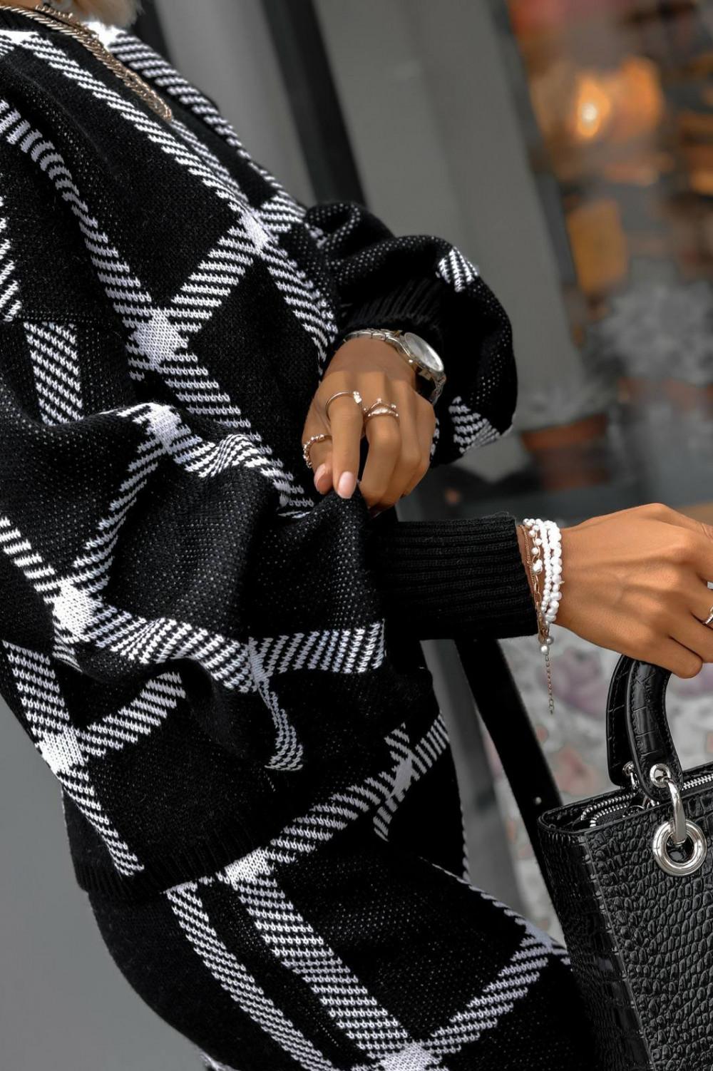 Czarny komplet damski w kratkę spódniczka i bluza Elena 4