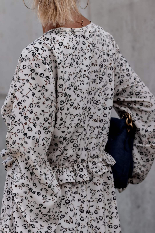 Ecru kwiatowa sukienka rozkloszowana V-Neck Harper 5