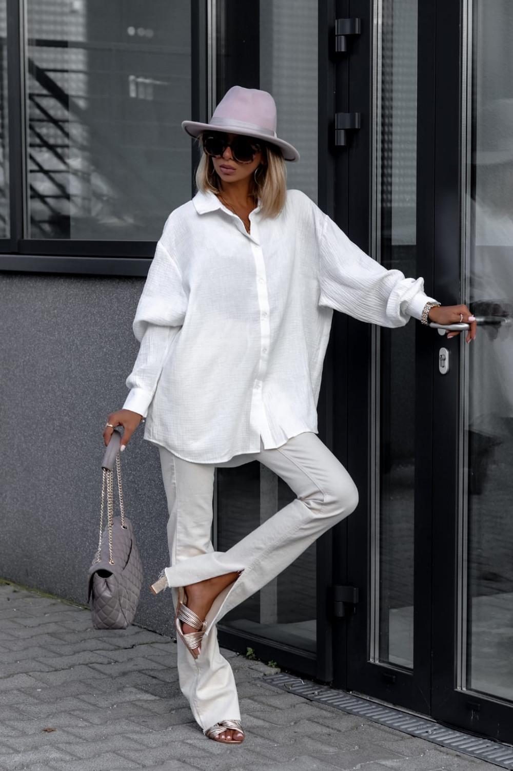 Biała rozpinana muślinowa koszula oversize Emily 2