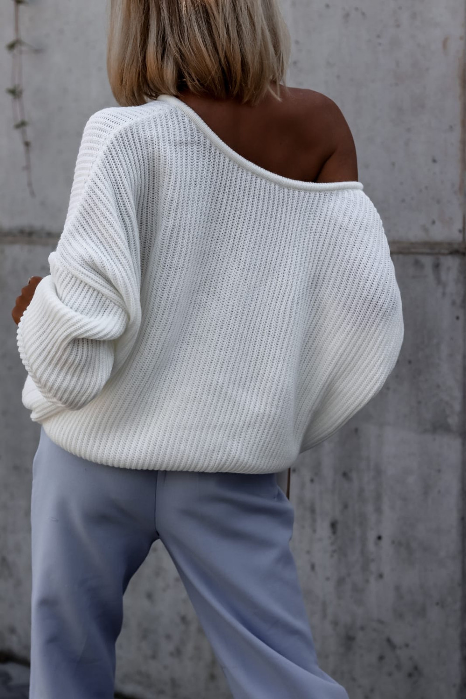 Ecru sweter oversize V-Neck Mia 6