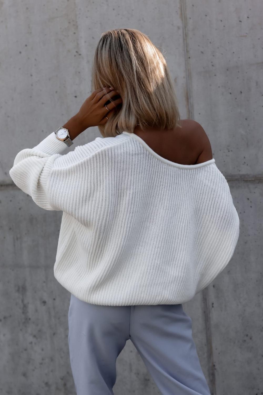 Ecru sweter oversize V-Neck Mia 3