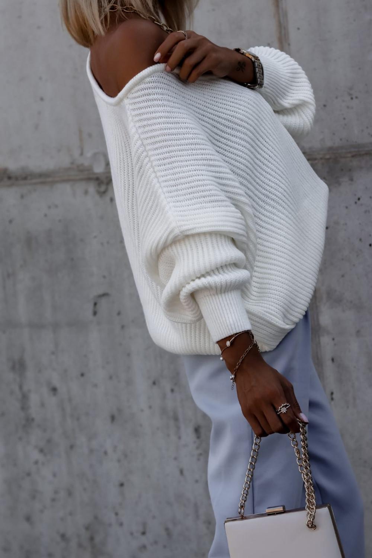 Ecru sweter oversize V-Neck Mia 5