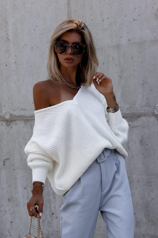 Ecru sweter oversize V-Neck Mia 2