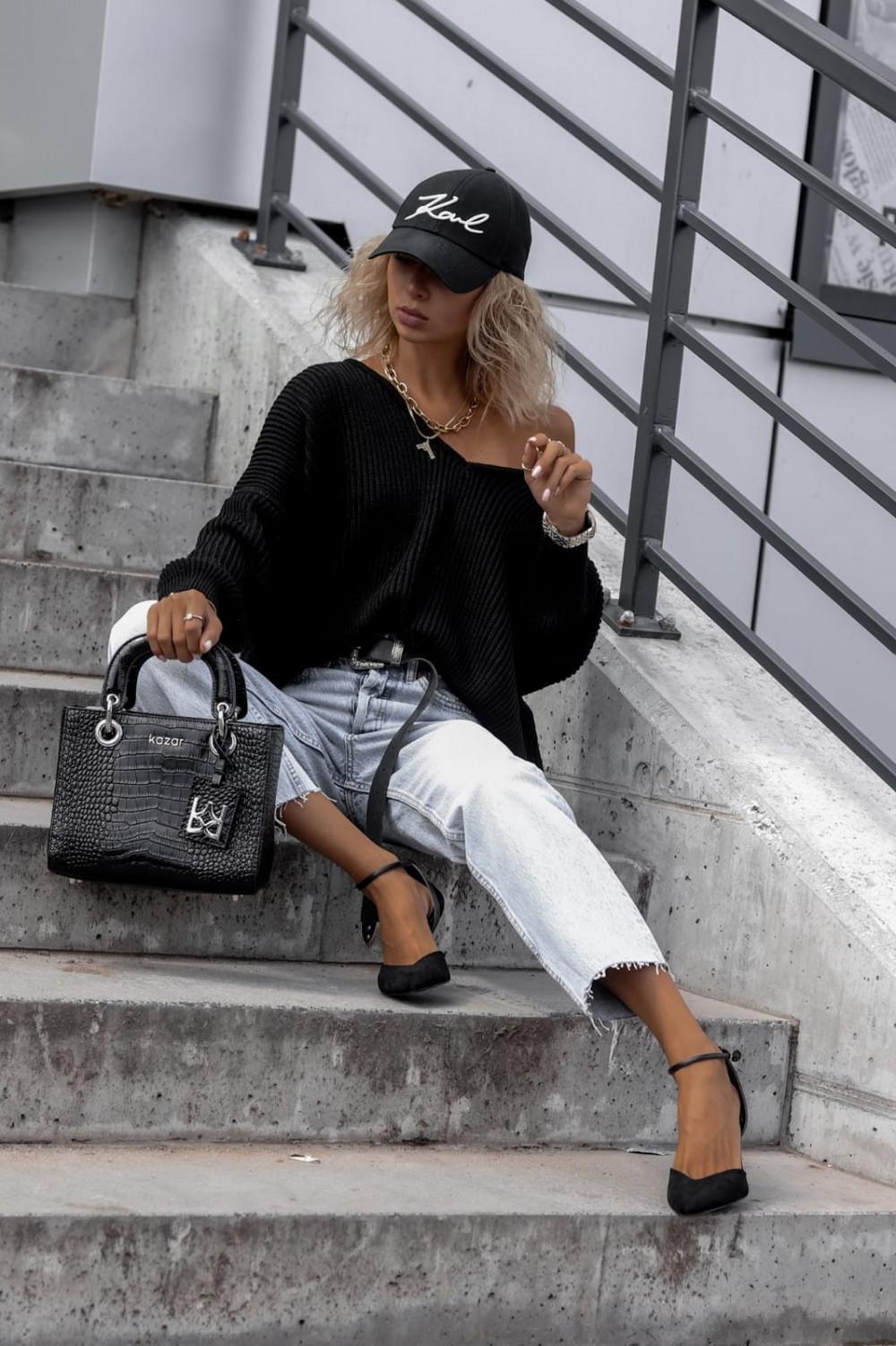 Czarny sweter oversize V-Neck Mia 2