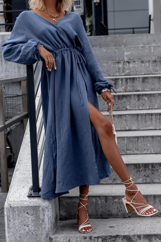 Niebieska muślinowa sukienka przekładana z bufiastymi rękawami Ella 2