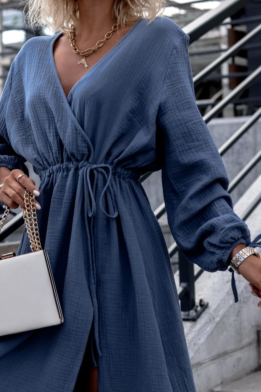 Niebieska muślinowa sukienka przekładana z bufiastymi rękawami Ella 3