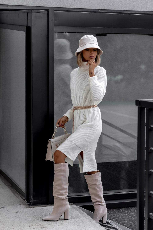 Biała sukienka sweterkowa z golfem Milano 2