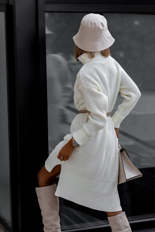 Biała sukienka sweterkowa z golfem Milano 3
