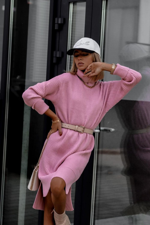 Różowa sukienka sweterkowa z golfem Milano 2