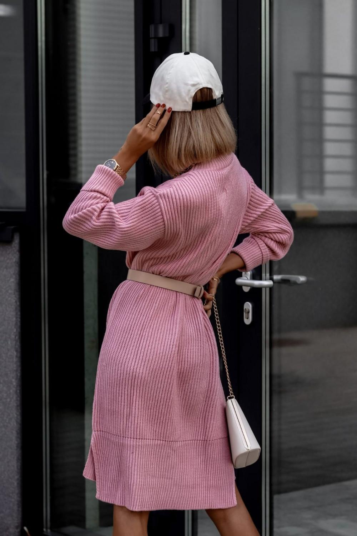 Różowa sukienka sweterkowa z golfem Milano 3