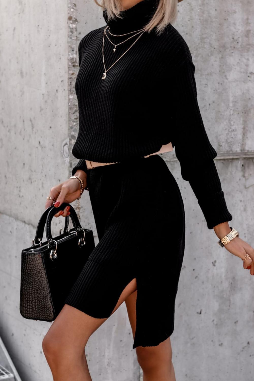 Czarna sukienka sweterkowa z golfem Milano 3