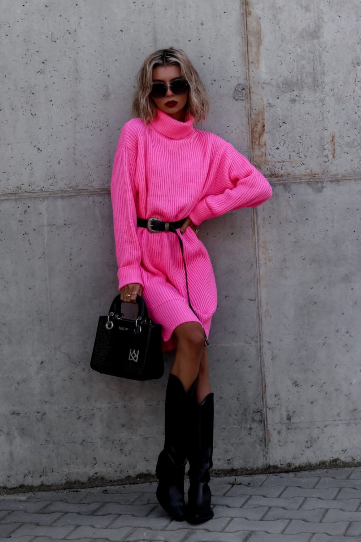Fuksjowa sukienka sweterkowa z golfem Milano 2