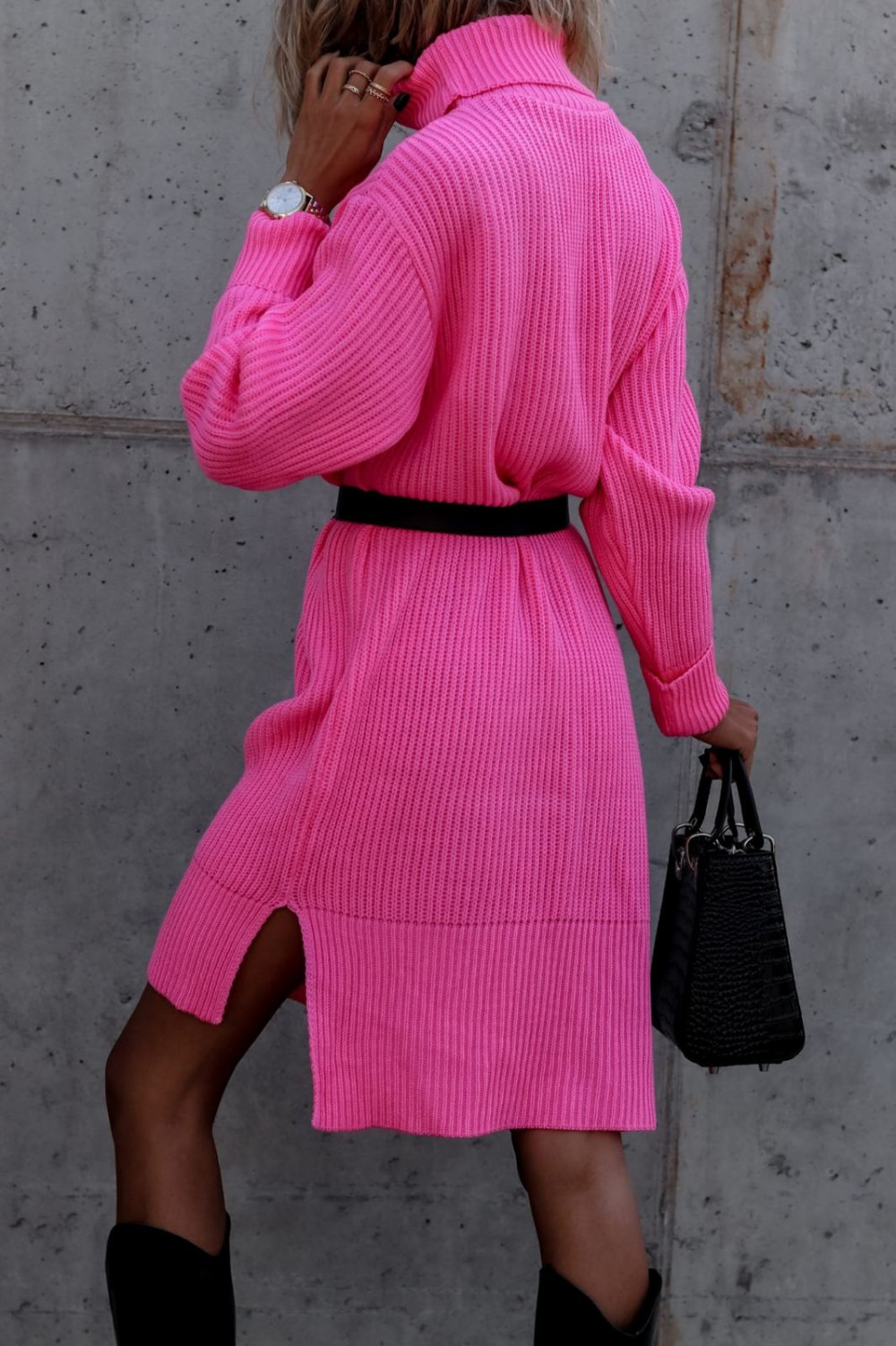 Fuksjowa sukienka sweterkowa z golfem Milano 3