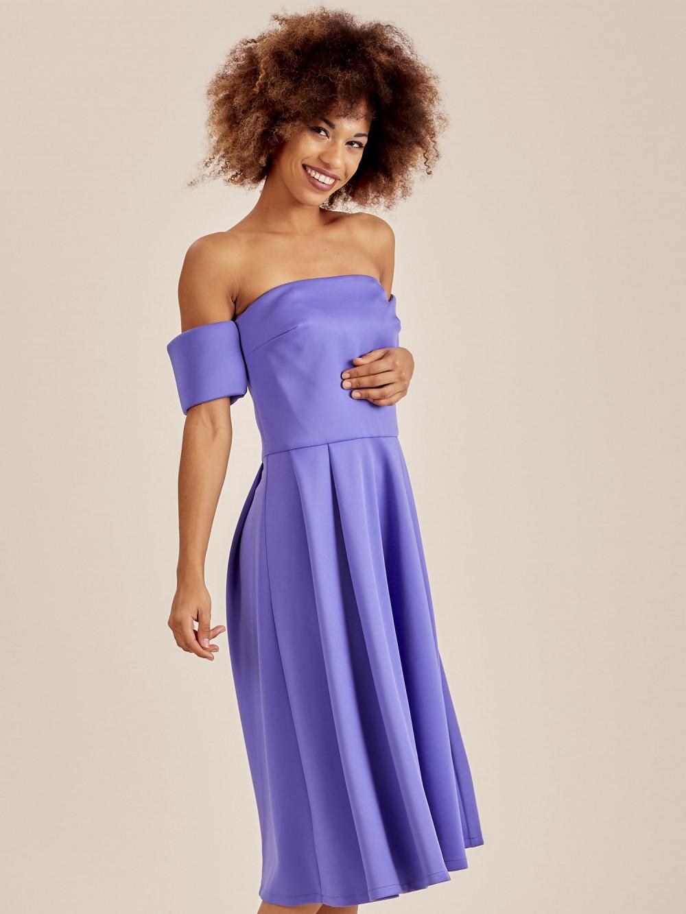 Niebieska sukienka rozkloszowana off shoulder 1