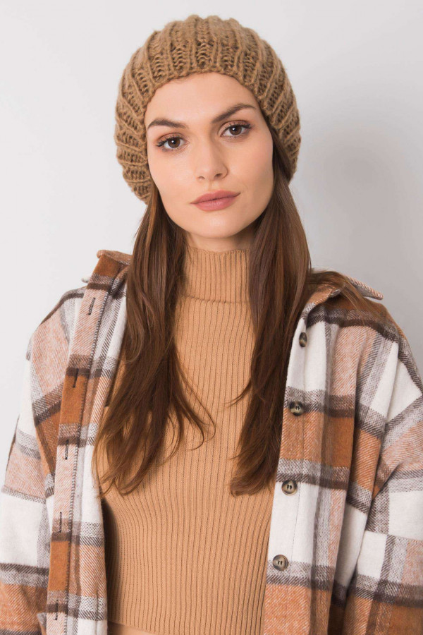 Brązowa czapka damska Nevers